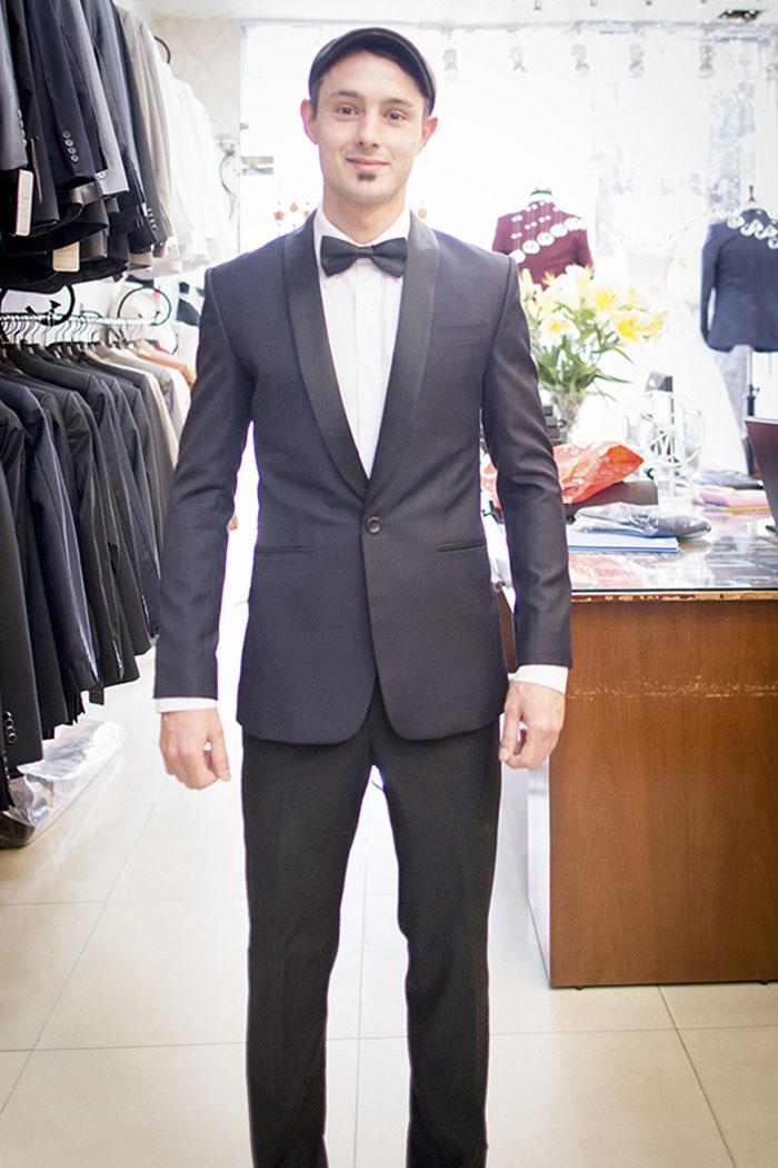 Tuxedo Super Black CA02