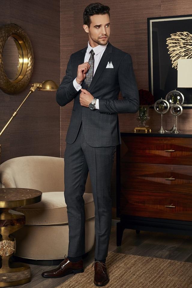 Bộ Suit Doanh Nhân Màu Xám Đậm