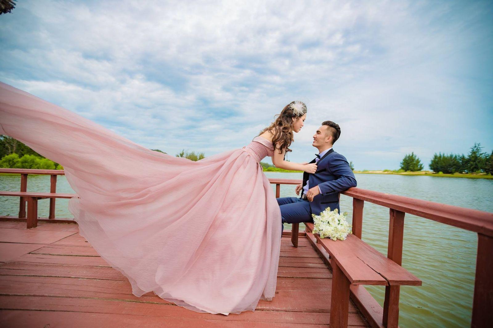 Các nguyên tắc cần nhớ trước khi chọn váy cưới bạn đa biết chưa? 16179570_364371820610526_7216200289241605640_o
