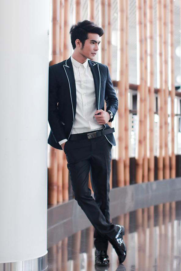 Luôn có cập nhật theo các kiểu dáng áo vest đẹp, vải may áo vest đẹp thời thượng.