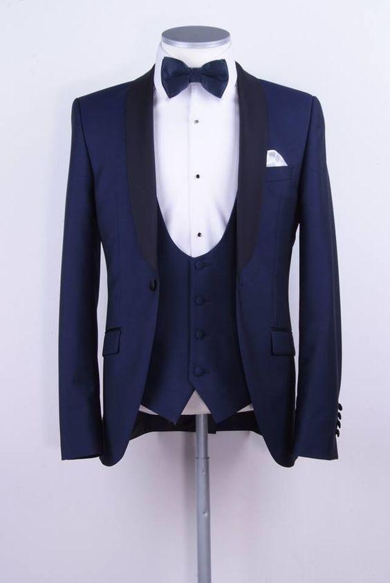 ......................................Kiểu Vest Tuxedo phá cách Xanh Navy . Trọn bộ như vậy chỉ với giá 6,500,000 đặc biệt chỉ có tại Mon Amie