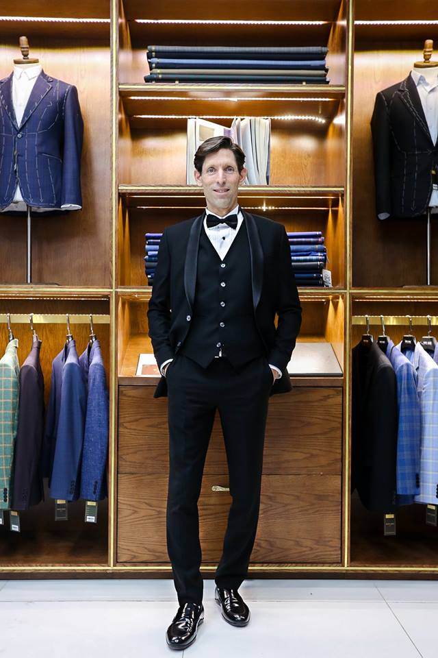Getting Custom Suits in Ho Chi Minh City is no longer a huge problem to foreigners if you know Secure Brand like Mon Amie Veston.