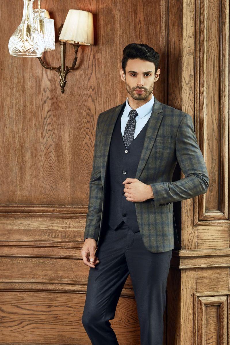 Những mẫu thiết kế vest nam của Mon Amie không ngừng cập nhật theo phong cách tân thời trang của thế giới.