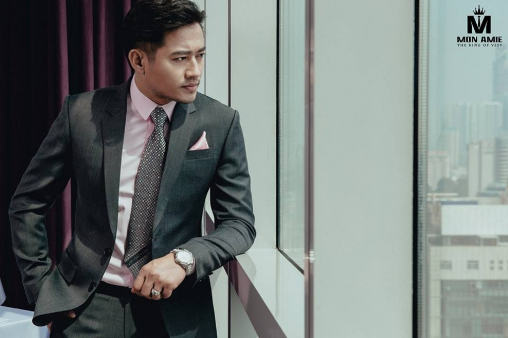 10 common mistakes most men make when wearing a suit