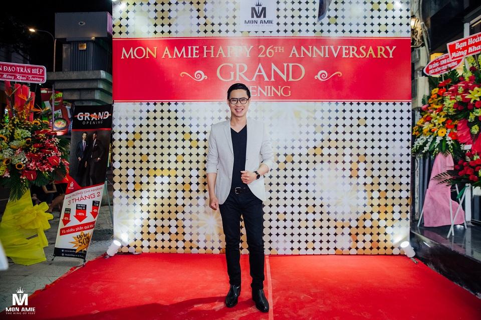 MC Anh Quân dẫn chương trình Khai Trương Chi Nhánh Mon Amie