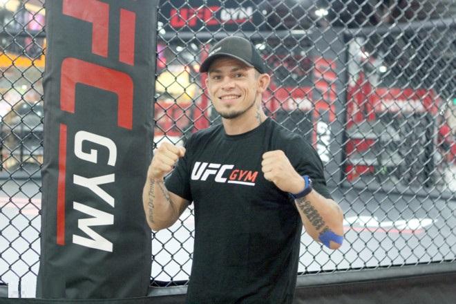 Võ sĩ MMA Arnaud Lepont & Veston Mon Amie