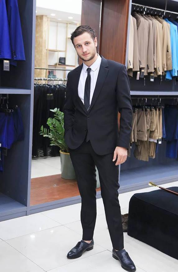 Suit Đen Thanh Lịch Công Sở