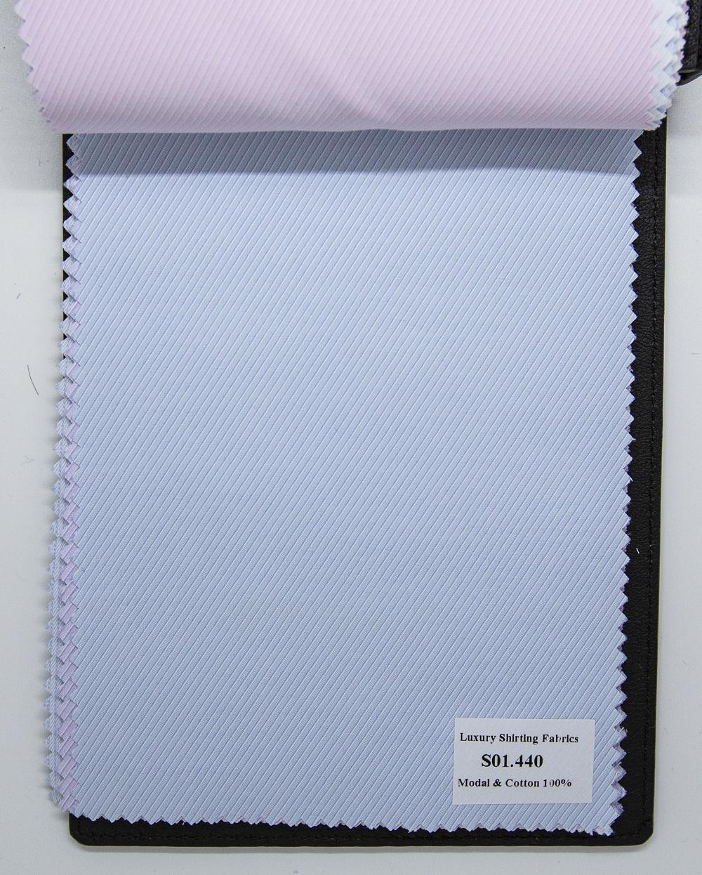 Mẫu vải may áo sơ mi xanh biển nhạt sọc xéo đẹp S01.440