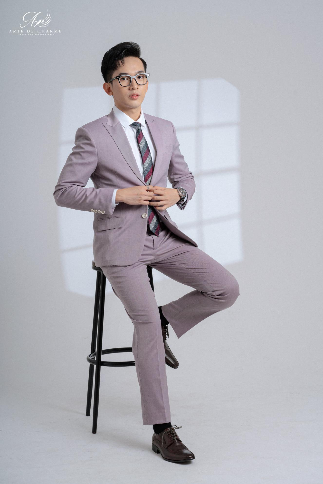 Suit màu tím pastel dành cho chàng trai trẻ trung và năng động